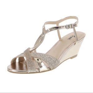 Fioni Grace Gold Size 7.5 Low-Heel Wedge